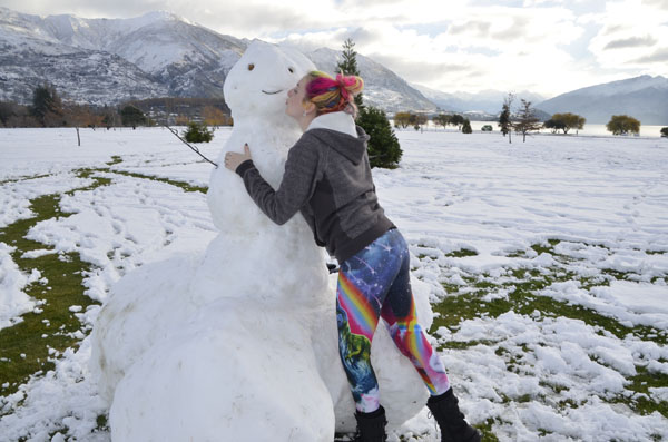 Roo Kissing Snowman
